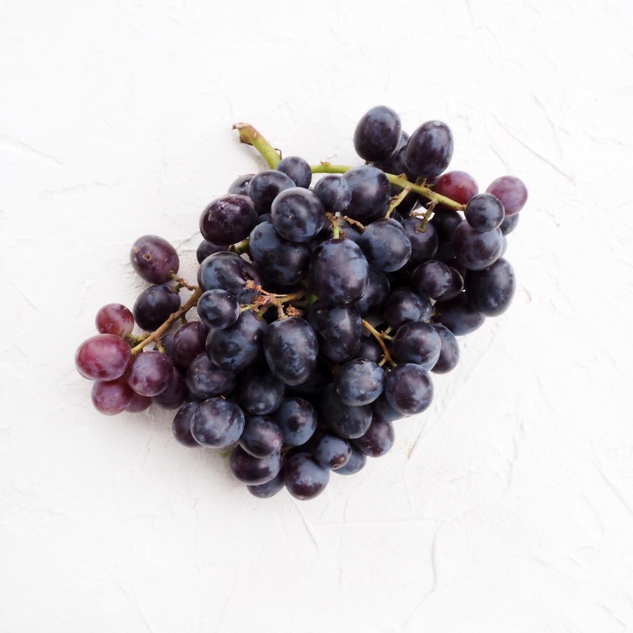 Виноград Миднайт Бьюти (500 г)