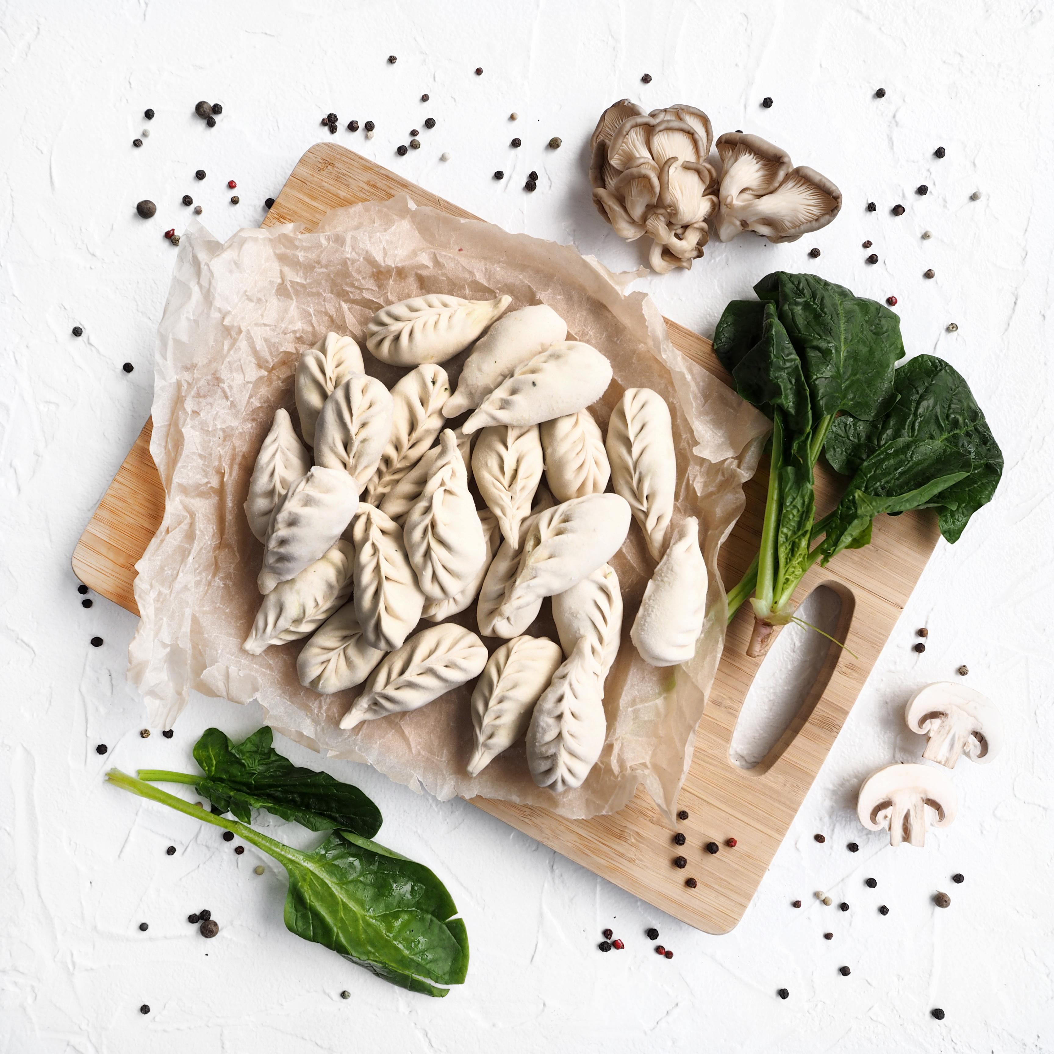 Веганские вареники с грибами и шпинатом (500 г)